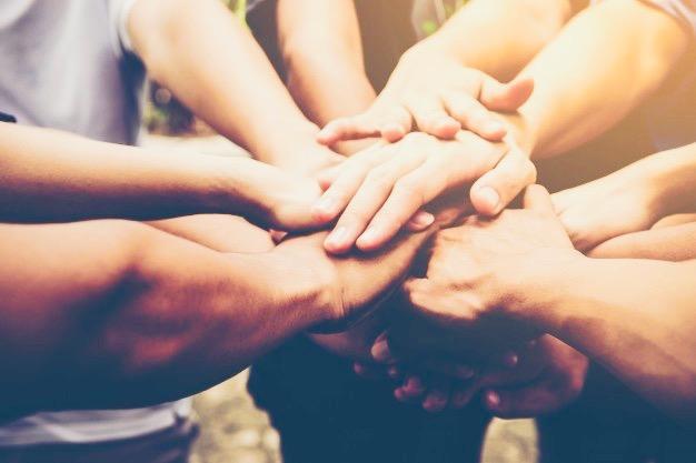 https://www.educfrance.org/wp-content/uploads/2020/02/travail-equipe-entreprises-se-joignent-ensemble-concept-travail-equipe-commerciale_1150-1804.jpg